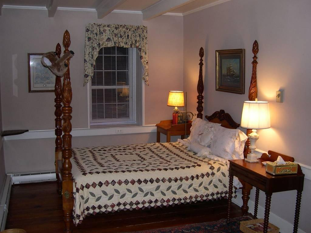 Private bedroom at the Caledonia Farm