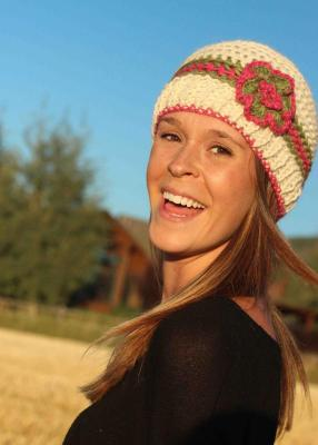 KNIT ALPACA HAT WITH FLOWER